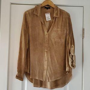 NWT...Velvet Heart Button down blouse!